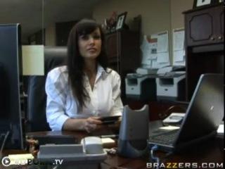 Кто хочет провести день с порно звездой Lisa Ann