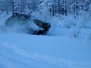 ВАЗ 2109 на гусеницах в тайге зимой