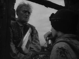 Иваново детство - сцена в деревне