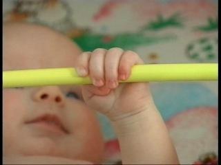 Развитие ребенка от рождения до года (часть 6) 3 месяца
