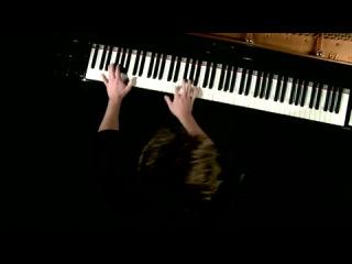 самая красивая игра на пианино!