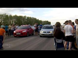 Ford Focus 3 (1.6 125 л.с.) vs Golf 6 (1.4 122 л.с.)