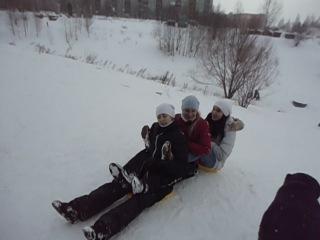 покатушки на ледянках))