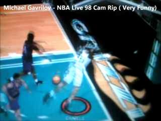 NBA Live 98 - Умели раньше игры делать - ебнулся головой об щит, когда забивал сверху и упал лицом вниз на паркет =))))