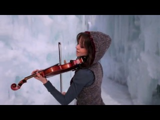 девушка очень красиво играет на скрипке Dab-Step (Violini)
