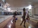 Тренировка новогоднего танца с пампушками