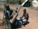 Лирообразный инструмент Кения