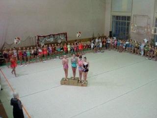 Награждение!!! Среди гимнасток,выступающих по программе мастеров спорта,на первом месте-Тюкова Анастасия!