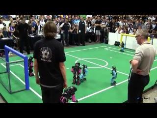 Смешной футбол от роботов