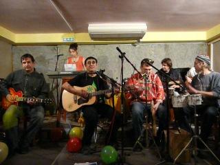 Француз и Acoustic Teplovoz Band Soundcheck клуб Капкан 26 11 2011г