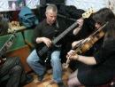 Донна Ли Барабаны Павел Капацына, гитара Гоша Нантой, бас Саша Мостовой, скрипка Вика Ермошкин