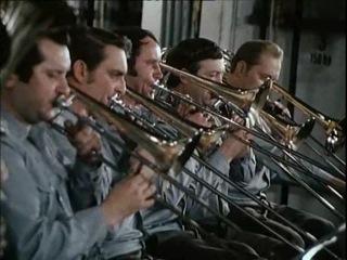 Die NVA in Glanz und Gloria - Zwischen Probe und Parade (1975)
