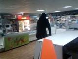 Пашка с Масляка решил купить жвачку по рублю:D