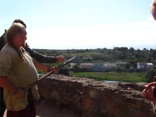 Пиф-паф со стены замка1