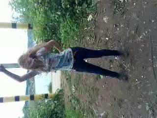 Аллка-пулеметчица танцует вальс-хип-хоп
