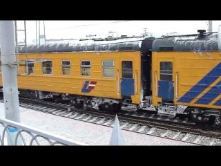 ЧМЭ3Э-6734 вытягивает вагоны поезда «Рига - Москва» с Рижского вокзала в тупик