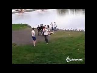 ржач ,драка геев с пьяными подростками
