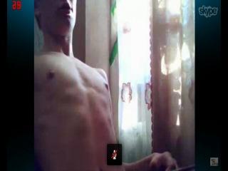 Влад Захаров дрочит на гей порно