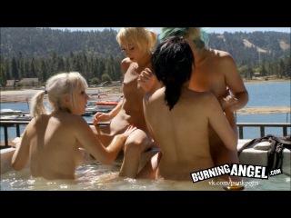 Cabin Girls Orgy