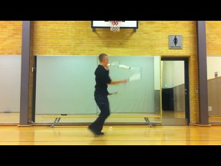 Даб-степ жонглёр
