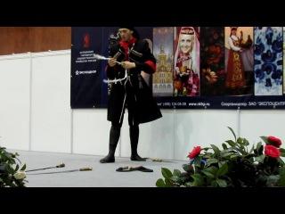 Танец с шашками (Михаил Слоквенко). Ладья 2011