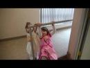 Катя и Дочка Милы Йовович - гимнастки