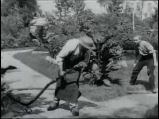 Политый поливальщик (Louis Jean Lumière) 1895