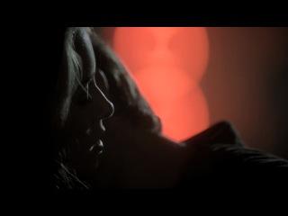 Дневники вампира |The Vampire Diaries - 3x08 - Простые люди | Ordinary People (Отрывок - Танец Деймона на барной стойке)