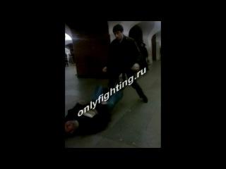 Жёсткий нокаут в метро