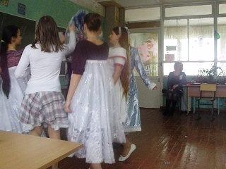 Новый Год в останкинской СОШ 30.12.11. 6б класс