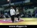 Salah (парень в шляпе) & Damon vs. Claire & Magalie (robot dance battle)
