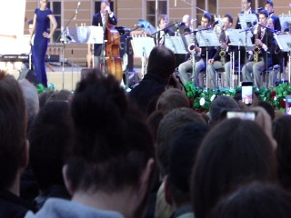 Московский джазовый оркестр п/у Игоря Бутмана и Fantine - What a wonderful world