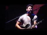 Jonas Brothers - ребята говорят о названии нового альбома и потом играют новую песню Dont Say (Чикаго 10 июля)