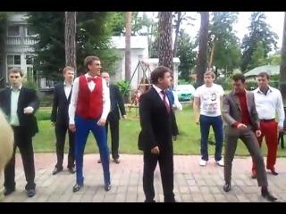 Новый танец президента Медведева - Party Rock Anthem