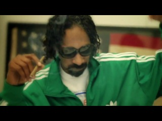 Snoop Dogg курит в честь Дня Рождения Bob Marley(2012)