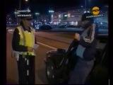 ПРИКОЛЫ ЗА РУЛЕМ  пьяный в коньках за рулем, претендент на звание идиота года)