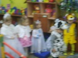 Фотосессия. Стоят девчонки, стоят в сторонке....