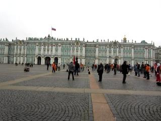Китайская зарядка на Дворцовой площади.
