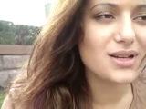 Красивая грузиночка, брюнетка, говорит красивые слова о любви:*