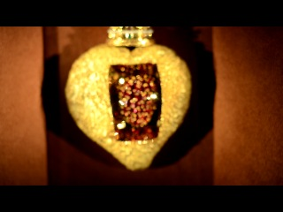драгоценное пульсирующее сердце Сальвадора Дали