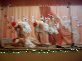 Танец маленьких лебедей(в исполнении мальчиков Ильянско СШ 11 класса)!!!!