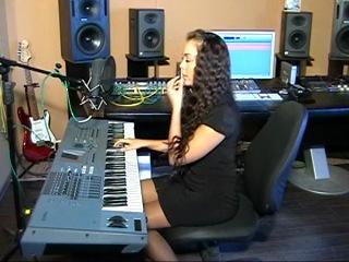 Уроки вокала, развитие голоса, уроки музыки