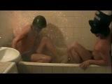 2 дебила в ванной с петардами )))) Бля!!! В студенческие годы мы ещё хуже жестили ))))))))))