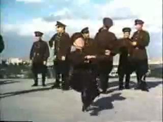 Барыня боярыня. Советские солдаты танцуют