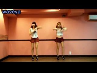 Две японки танцуют Roly - Poly