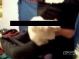 Девушка переодевается перед камерой