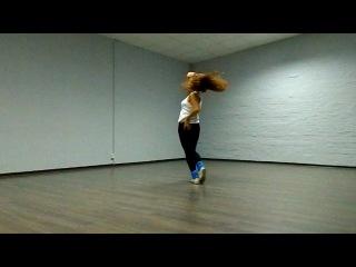 Это было давно и неправда!!! Сейчас я так не танцую.