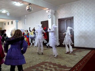 Танец снежинок на премьере спектакля