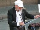 Уличный музыкант.Питер.