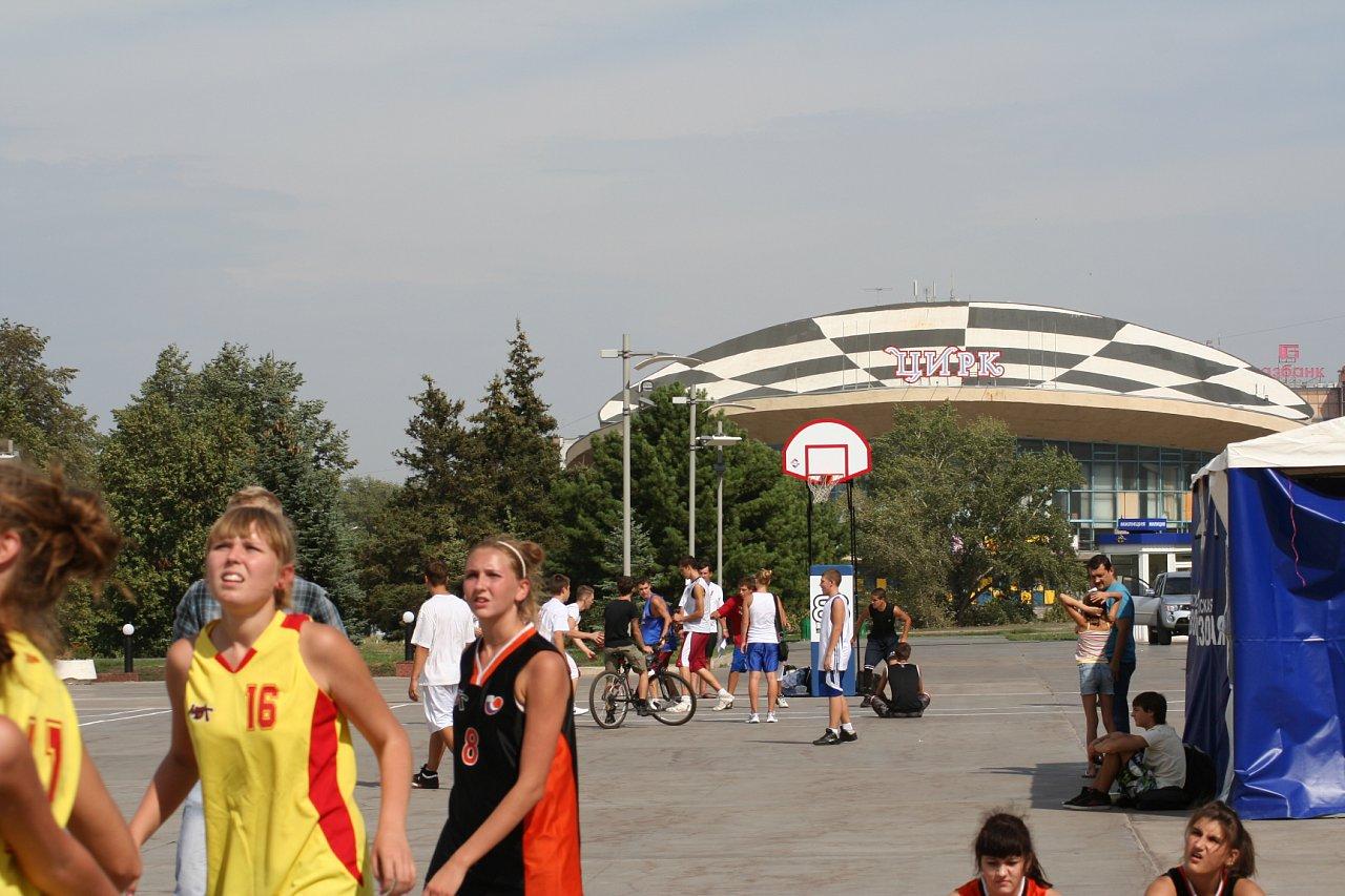 29.08.10 Уличный баскетбол 3х3